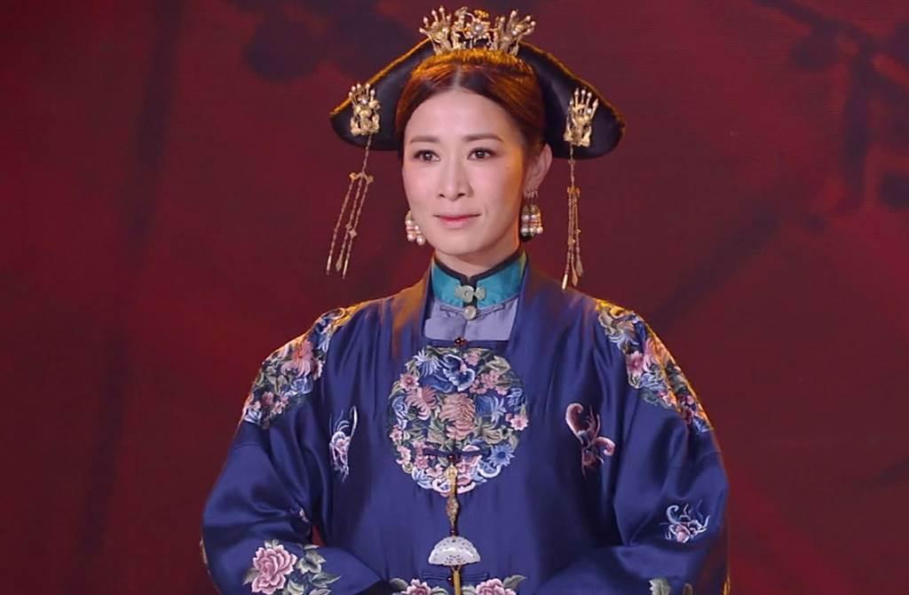 帮闺密庆生 45岁佘诗曼近照曝光太惊人