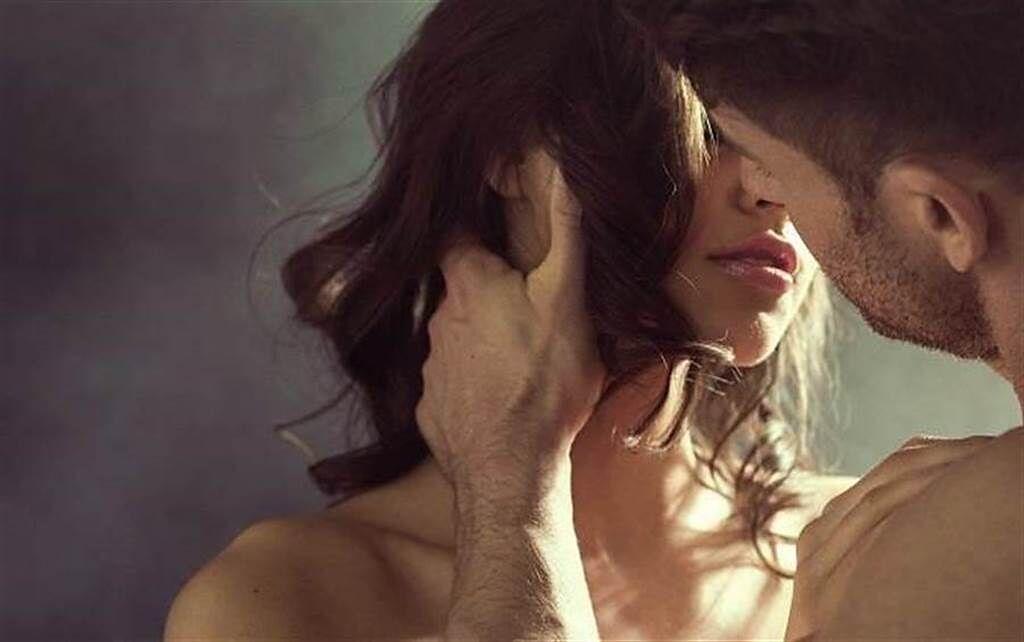 4星座谈恋爱态度极端 忠诚、花心只在一念之间
