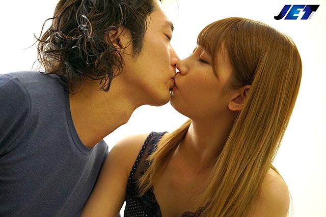 NKKD-126 :丰满漂亮的嫂子咲咲原玲帮小叔子拿下处男之身!