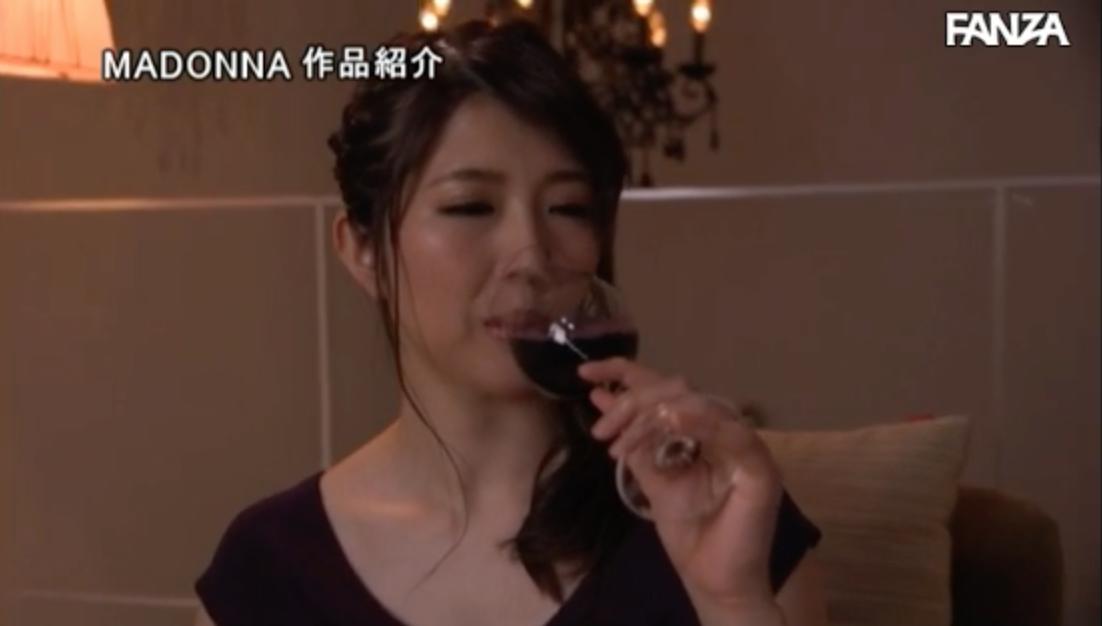 JUY-614 :高学历全身散发着知性的光芒,三田真利江 无法想像的野兽级玩法!