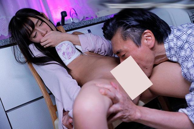 JUY-847 :人妻星奈爱半夜约好公公在房间里尽情来上一炮!