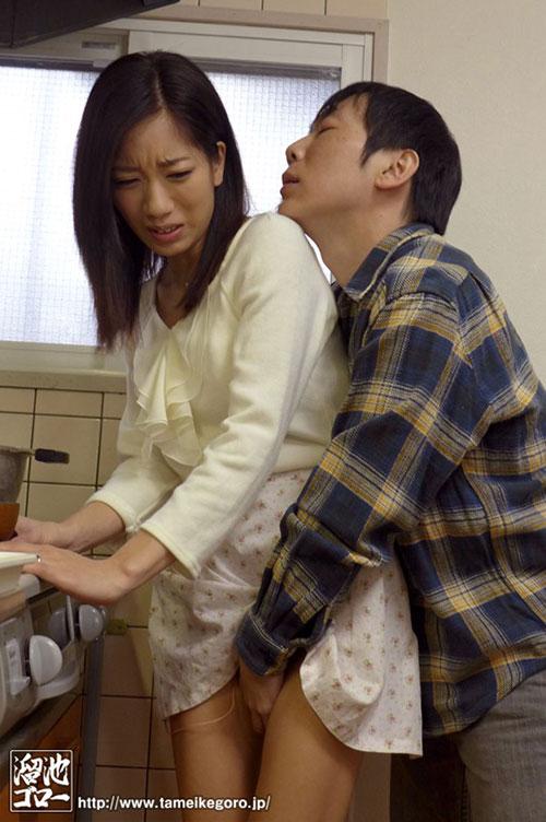 MEYD-012:寂寞难耐的东凛和瑜伽教练在家里搞了起来!