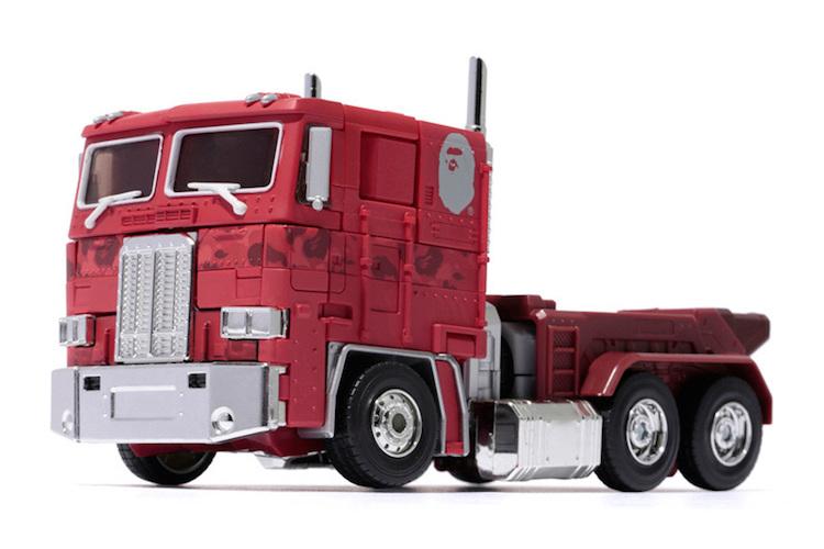 transformers-bape-optimus-prime-red-camo-figurine-2