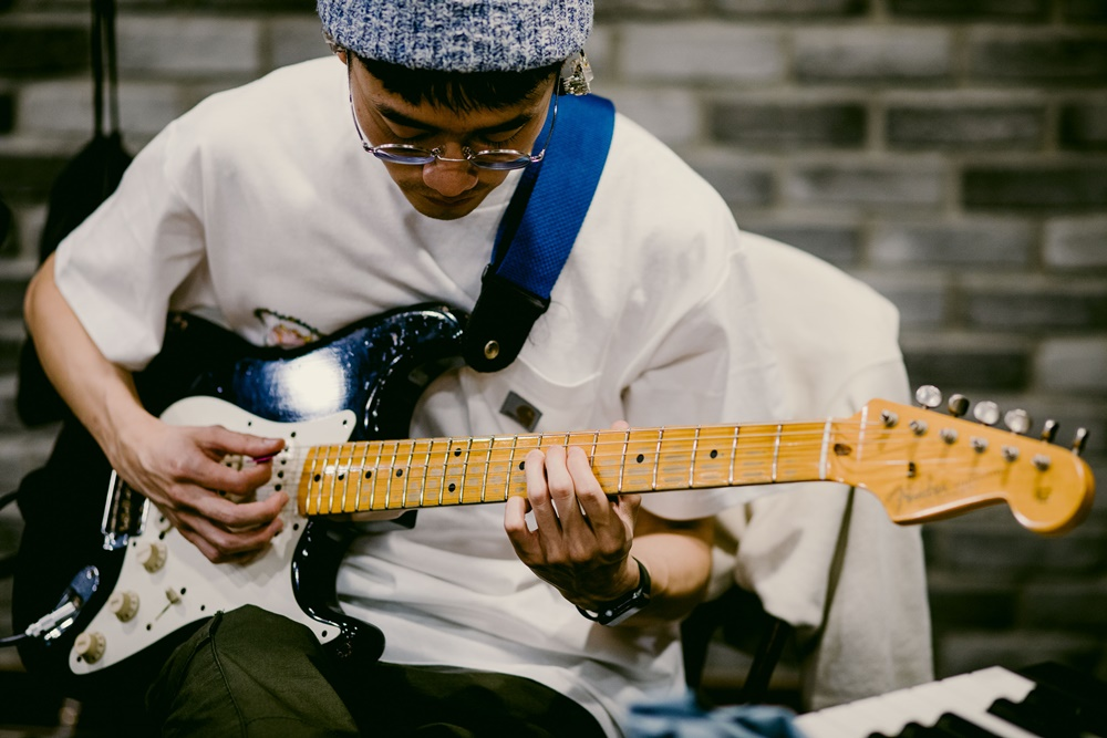 Carhartt WIP Taiwan : 台湾音乐漫游 Part. 2 - 雷顿狗:「希望十年后一样开开心心做自己喜欢的音乐」