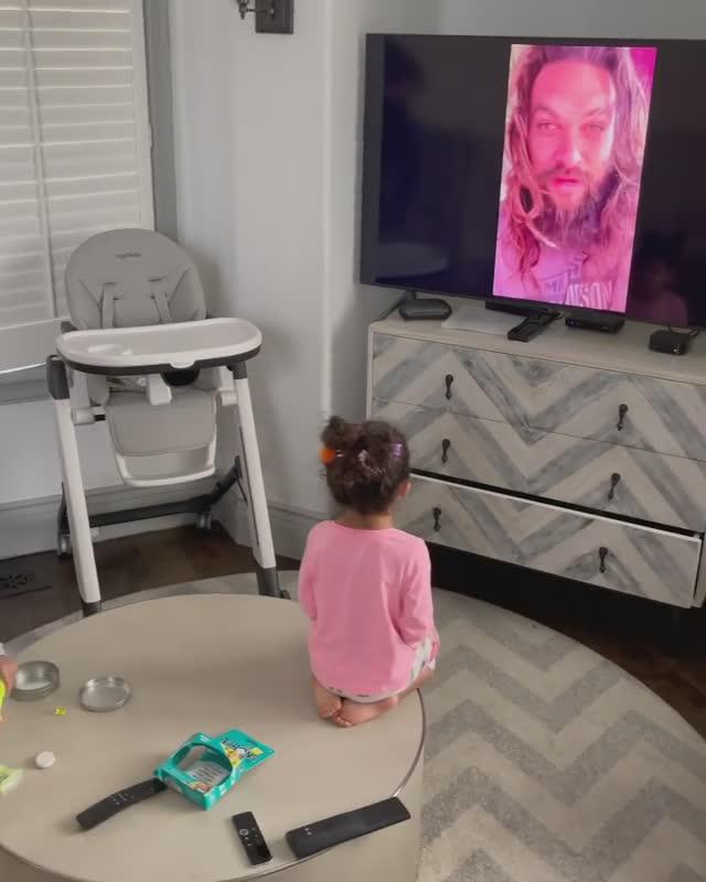 3 岁女儿爱上水行侠! 巨石强森吃味:黑亚当会揍水行侠